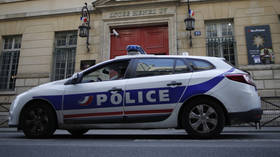 One killed and several injured after car crashes into diners at outdoor café in Paris (VIDEO)