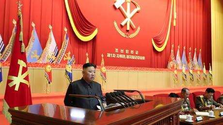 North Korean leader Kim Jong-un delivers a speech in Pyongyang, July 30, 2021. © KCNA/Reuters