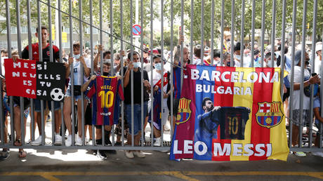 Barcelona fans have protested against Lionel Messi's mooted transfer to PSG © Albert Gea / Reuters