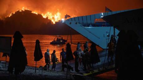 Village of Limni, on the island of Evia, Greece, August 6, 2021. © Reuters / Nicolas Economou