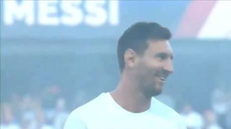 Lionel Messi sent PSG fans crazy on Saturday at the Parc des Princes. © Twitter / @PSG_English