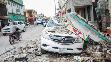 Haiti quake death toll shoots to 1,297 as hospitals overwhelmed with some 5,700 injured