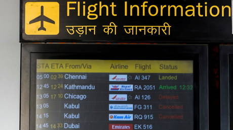 A flight Information board showing flights cancelled from Kabul is pictured at the Indira Gandhi International Airport in New Delhi, India August 16, 2021 © REUTERS/Anushree Fadnavis