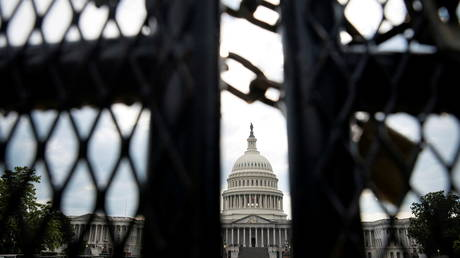 FILE PHOTO: A security fence surrounds the US Capitol in Washington, DC, July 9, 2021 © Reuters / Al Drago