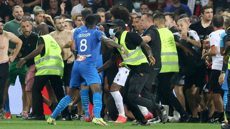 Ugly scenes marred the match between Nice and Marseille. © AFP