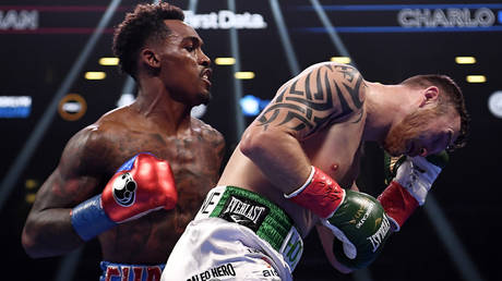 Champion boxer Jermall Charlo (left) has been arrested over an alleged theft from a bar © Sarah Stier / USA Today Sports via Reuters