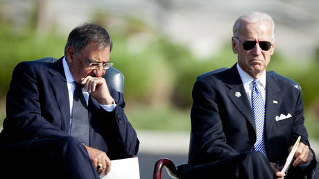 FILE PHOTO. Leon Panetta (L) and Joseph Biden in 2011 in Arlington, Virginia. ©Brendan Smialowski / Getty Images viaAFP