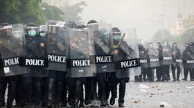 Thai police deploy tear gas, rubber bullets against demonstrators protesting govt (VIDEOS, PHOTOS)