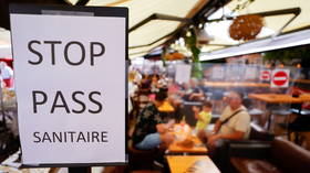 French anti-health pass protesters double in number in a month, at least 250,000 expected to hit streets this weekend – media