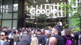 Anti-vaxx protesters in London target Google, accuse tech firm of censorship (VIDEO)