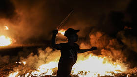 Israel strikes Gaza in retaliation for incendiary balloon attacks by Hamas & border clashes