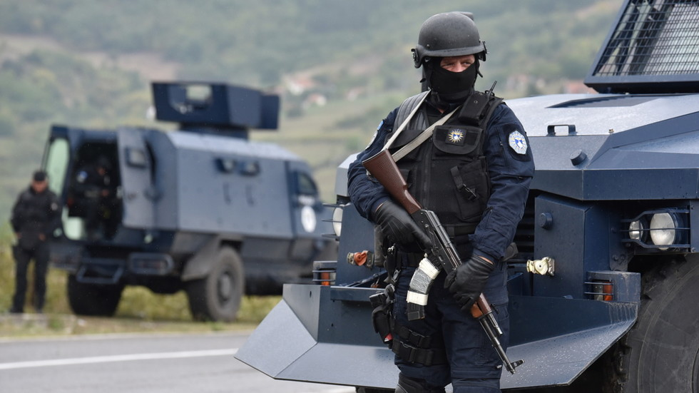 10 Albanians arrested in Kosovo after attacking Serbs amid military buildup at border over escalating row about licence plates