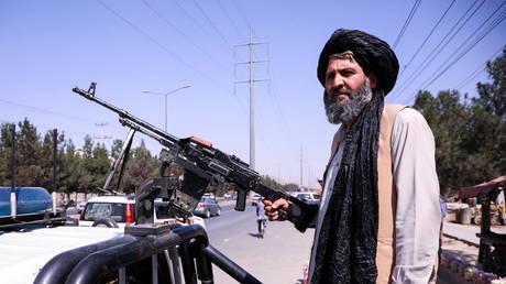 A Taliban fighter in Kabul, Afghanistan, September 2, 2021. © Stringer/Reuters