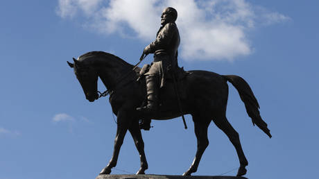 FILE PHOTO. The statue of Robert E. Lee in Richmond, Virginia. © AFP / Alex Wong