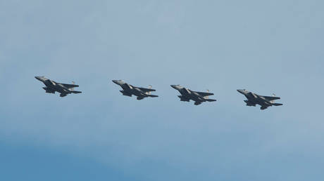 FILE PHOTO: A flight of Florida Air National Guard F-15 Eagles of the 159th Fighter Squadron prepare to land at Wright-Patterson Air Force Base, Ohio, © U.S. Air Force/Reuters