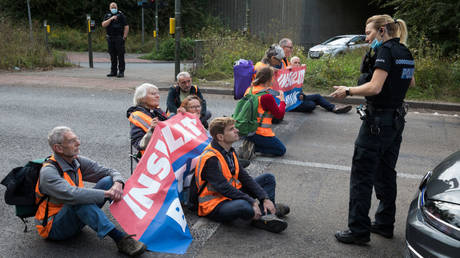 , Climate protesters draw almighty backlash as tradesmen, including thermal insulation engineers, stuck in M25 roadblock,