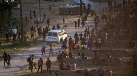 Migrants seeking asylum in the US in Del Rio, Texas, on September 16, 2021 © Reuters / Go Nakamura