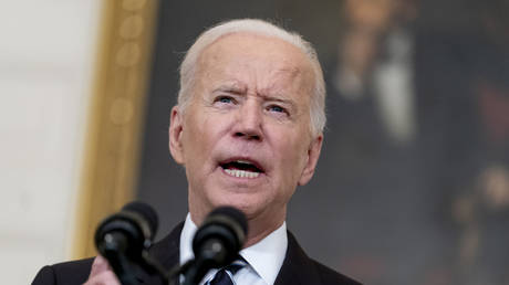 Biden lectures America about the need to vaccinate © AP / Andrew Harnik