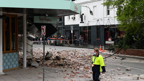 Footage of damaged buildings surfaces after 6.0-magnitude quake strikes Australia (VIDEO)