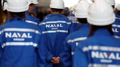 Workers of The Naval Group plant in Cherbourg-Octeville, north-western France on July 9, 2017 © AFP / Charly Triballeau