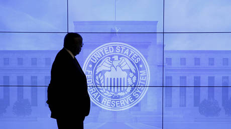 Two top US central bankers resign after reports of controversial investment trades