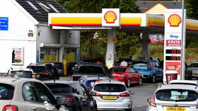 'No govt plans' to deploy army to deliver fuel, minister says, after 90% of forecourts run dry amid panic buying