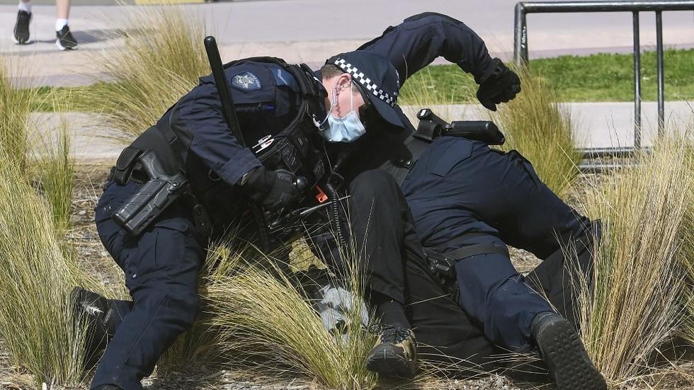 Australien: Massendemonstrationen, die mit extremer Polizeibrutalität geprägt waren