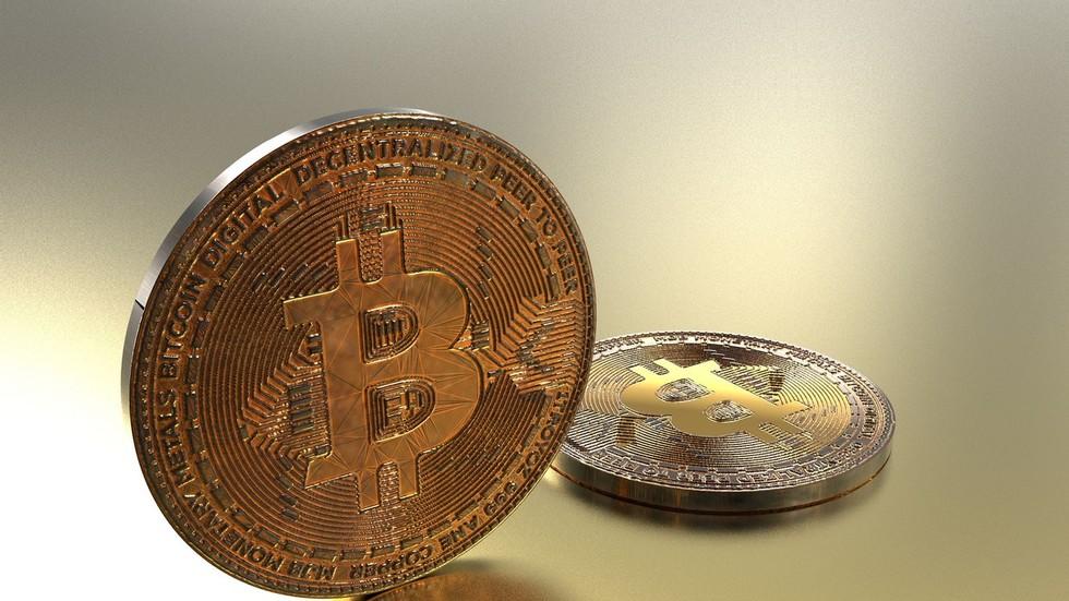 Boom Bust looks at Jamie Dimon's mood swings toward bitcoin
