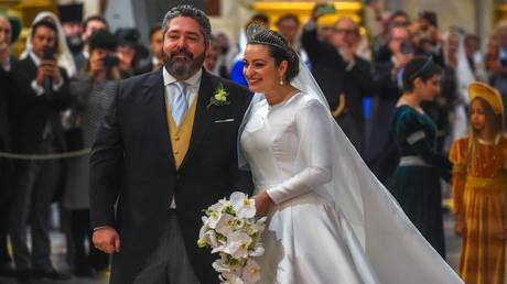 Grand Duke George Mikhailovich Romanov and Victoria Romanovna Bettarini arrive for their wedding ceremony at Saint Isaac's Cathedral in Saint Petersburg, on October 1, 2021. © AFP / Olga MALTSEVA; Video: Ruptly