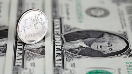 Ruble shrugs off global turbulence to become the only gainer among EM rivals