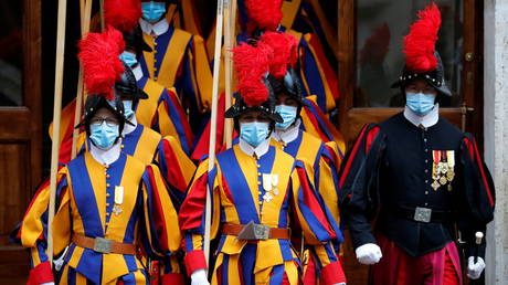 3 Swiss Guards resign after Vatican orders vaccinations & introduces Covid-19 Green Passes for staff and visitors