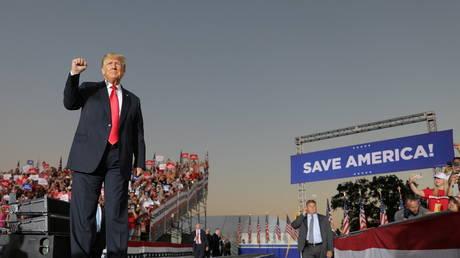 Trump calls 2020 presidential election 'real insurrection' as Democrats subpoena allies over January 6 thumbnail