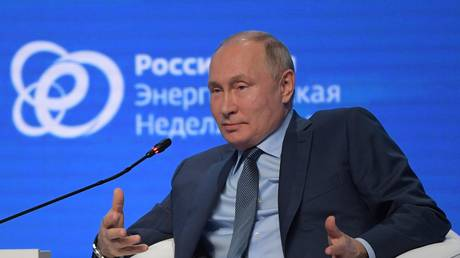 Putin says US itself killing dollar as reserve currency by weaponizing sanctions & uncontrolled money printing, fueling inflation