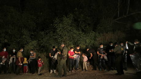 Leaked Border Patrol documents show at least 160,000 illegal immigrants were released into the US since March – reports