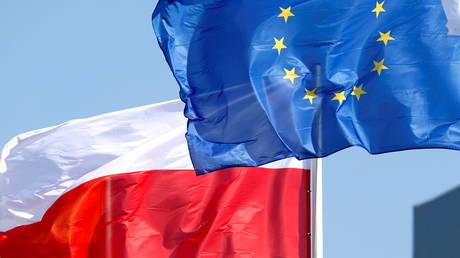States that do not play by EU rules do not get 'benefits of Europe', France tells Poland amid row over law primacy