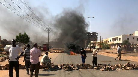 'Return to dialogue': Intl community demands release of Sudan's PM detained during military coup in wake of internal unrest - rt