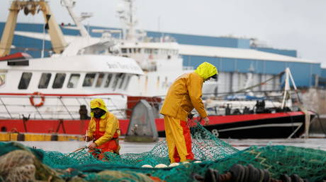 Denying port entry & tightened checks: France unveils list of potential sanctions against UK over fishing licenses row