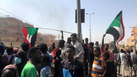 Major Sudanese tribe plans to end port blockade in support of military coup, as doctors and academics go on strike against it