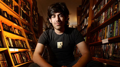 Eric Holder defends prosecution of Aaron Swartz