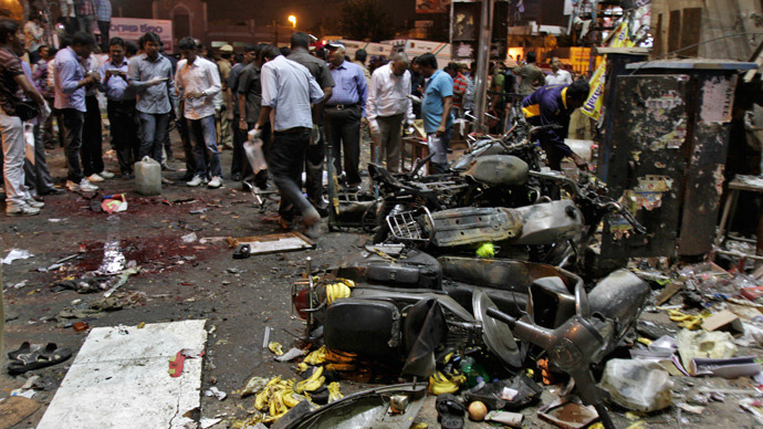 Two market explosions kill 14, wound over 100 in India