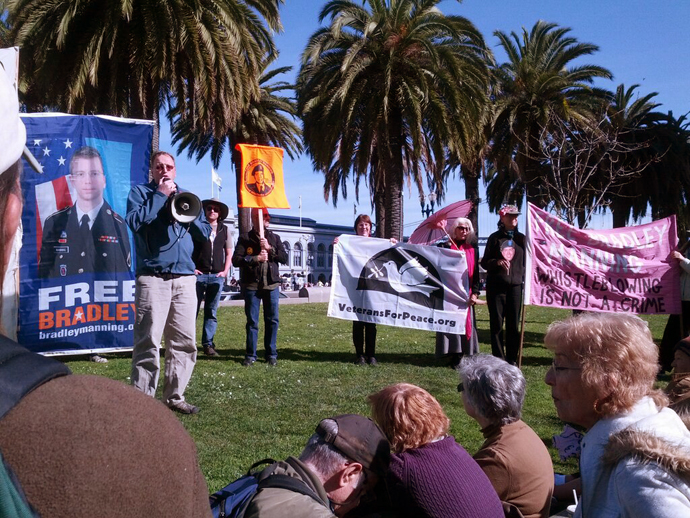 Rally in spport of Bradley Manning in San-Francisco (Image from twitter.com user@OOSomebody)