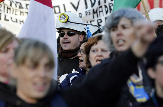 Public workers, small political parties and non-profit organisations stage a protest against government austerity on February 23, 2013 in Madrid. (AFP Photo / Cesar Manso)