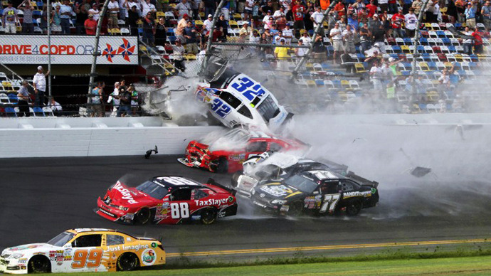 Over 30 injured in car crash at NASCAR race (PHOTOS)