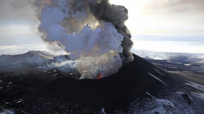 Eruption of Volcano Plosky Tolbachik in Kamchatka (RIA Novosti / Yuri Deyanchuk)