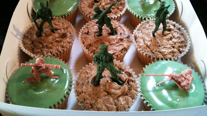 Censored cupcakes: US school removed toy soldiers from kid's birthday cake over violence fears