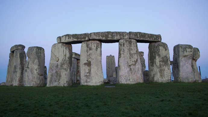 New theory 'rewrites' Stonehenge history