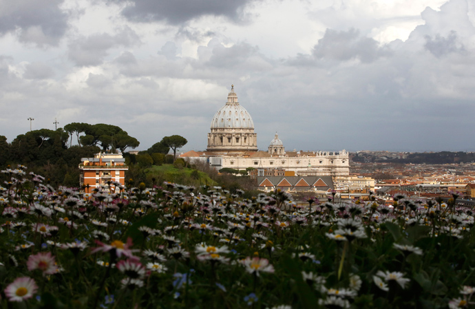 Saint Peter's Basilica at the Vatican is seen from a hilltop in Rome, March 11, 2013 (Reuters / Paul Hanna)