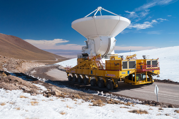 The first European antenna for the Atacama Large Millimeter/submillimeter Array (ALMA) transported to the observatory's Array Operations Site. Credit: ESO