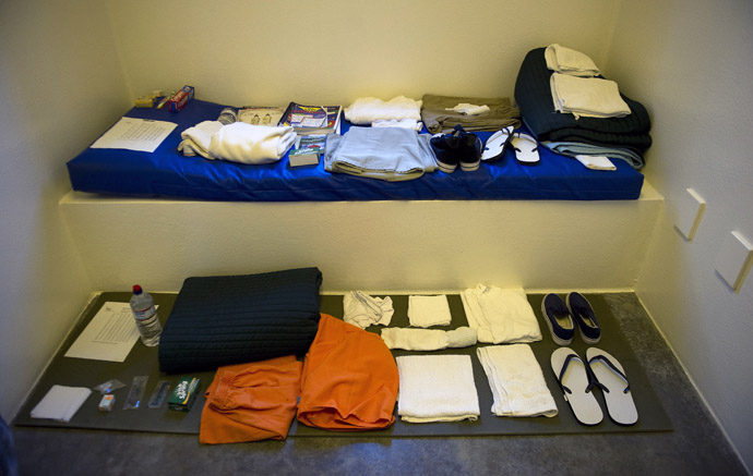 "This image reviewed by the US military shows the standard items issued to a detainee in the ""Camp Five"" detention facility of the Joint Detention Group at the US Naval Station in Guantanamo Bay, Cuba, January 19, 2012. (AFP Photo)"