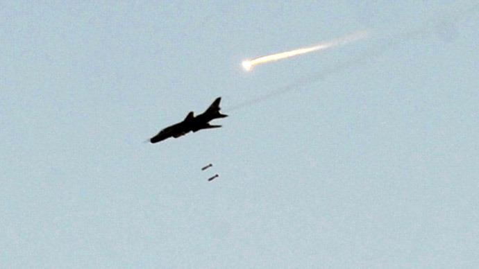Syrian warplanes strike Lebanon border